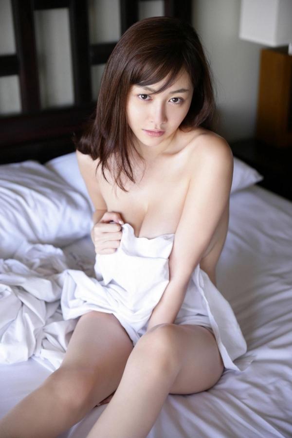 杉原杏璃(すぎはらあんり)官能グラビアアイドルのセクシーな下着姿とセミヌードエロ画像a024a.jpg