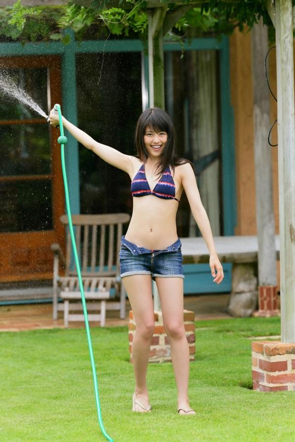 有村架純(ありむらかすみ)美人でかわいい女優のビキニ水着 画像02.jpg
