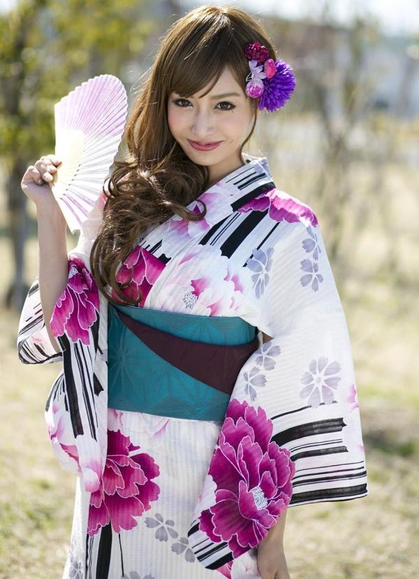 明日花キララ|浴衣を脱ぎヌードになる巨乳AV女優エロ画像a007a.jpg
