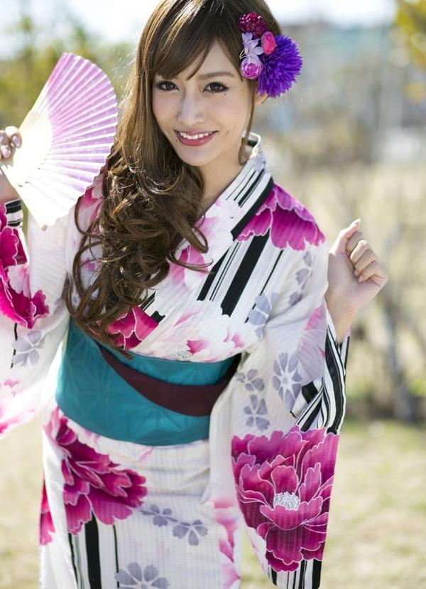 明日花キララ|浴衣を脱ぎヌードになる巨乳AV女優エロ画像a008a.jpg