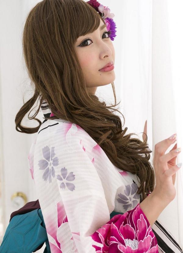 明日花キララ|浴衣を脱ぎヌードになる巨乳AV女優エロ画像a010a.jpg