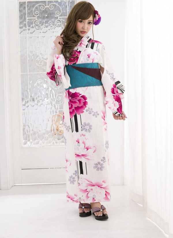 明日花キララ|浴衣を脱ぎヌードになる巨乳AV女優エロ画像a012a.jpg