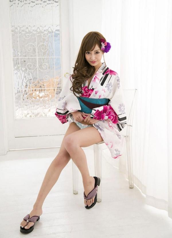 明日花キララ|浴衣を脱ぎヌードになる巨乳AV女優エロ画像b001a.jpg