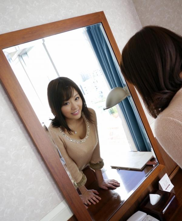 浜崎真緒|おっぱいがエロいAV女優のオナニー&ヌードのエッチ画像09a.jpg