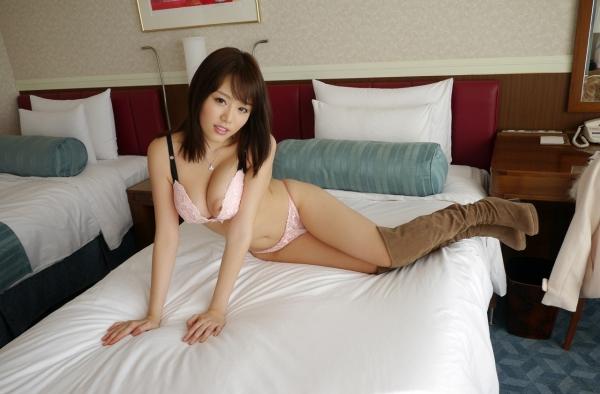 浜崎真緒|おっぱいがエロいAV女優のオナニー&ヌードのエッチ画像19a.jpg