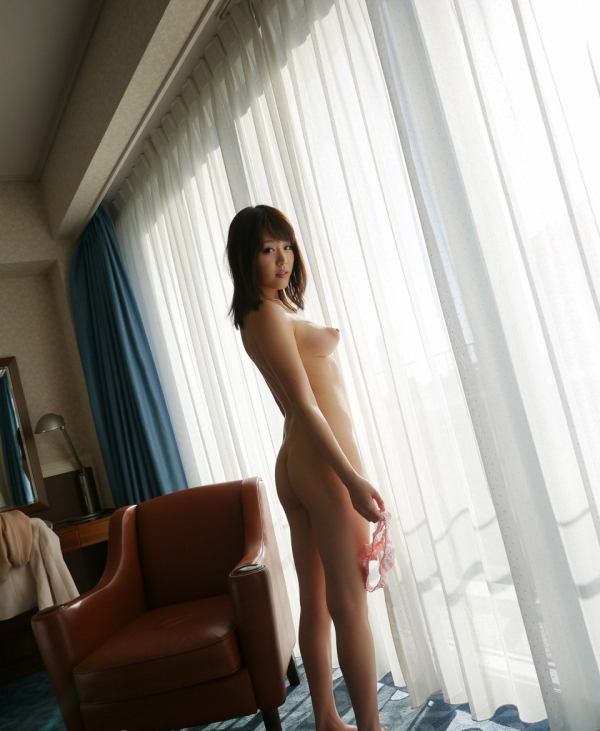 浜崎真緒|おっぱいがエロいAV女優のオナニー&ヌードのエッチ画像32a.jpg