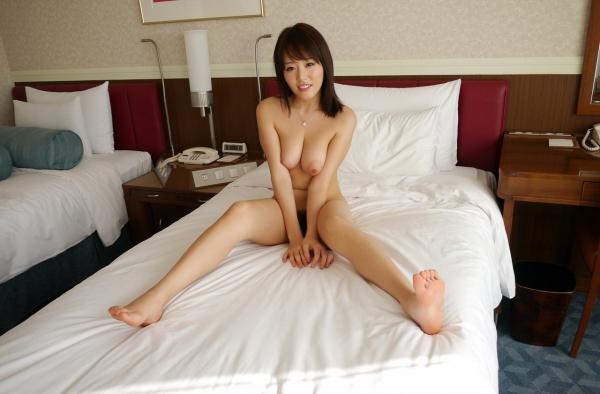 浜崎真緒|おっぱいがエロいAV女優のオナニー&ヌードのエッチ画像39a.jpg