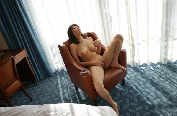 浜崎真緒|おっぱいがエロいAV女優のオナニー&ヌードのエッチ画像47a.jpg