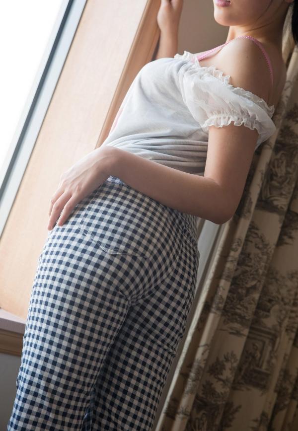 浜崎真緒 はまさきまお 巨乳おっぱいの乳首がエッチなAV女優SEXハメ撮りエロ画像04.jpg