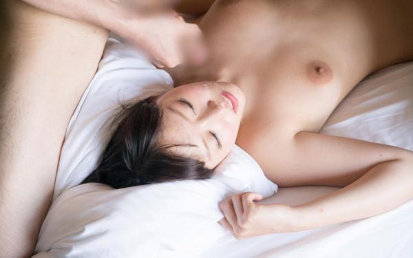 浜崎真緒 はまさきまお 巨乳おっぱいの乳首がエッチなAV女優SEXハメ撮りエロ画像57.jpg
