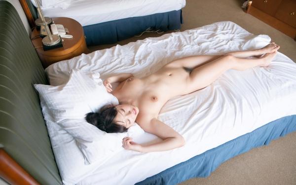 浜崎真緒 はまさきまお 巨乳おっぱいの乳首がエッチなAV女優SEXハメ撮りエロ画像58.jpg