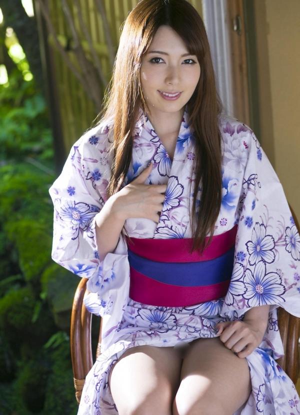 波多野結衣|浴衣姿と全裸で美乳を触るAV女優のヌード エロ画像05a.jpg