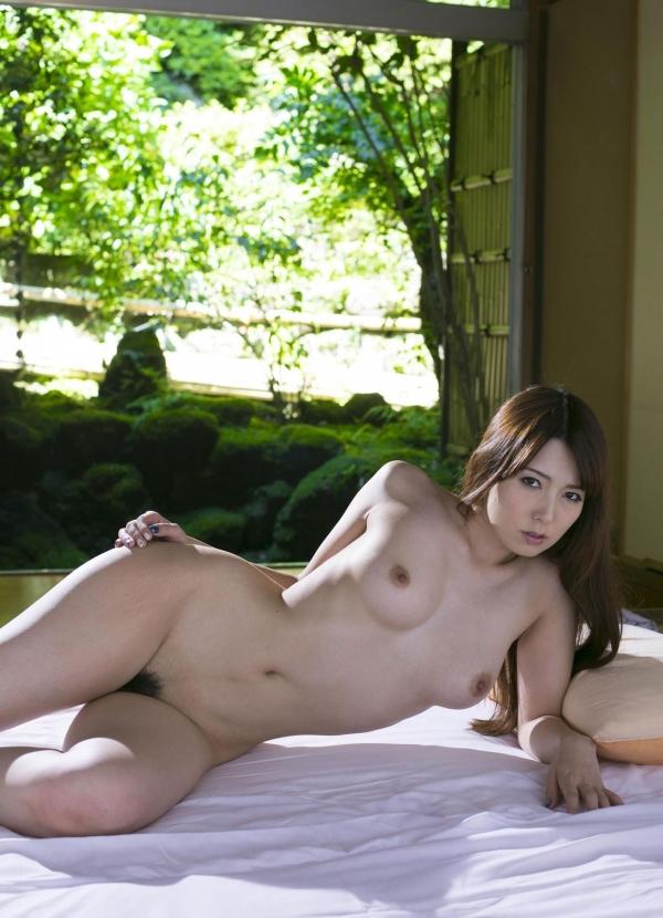 波多野結衣|浴衣姿と全裸で美乳を触るAV女優のヌード エロ画像26a.jpg
