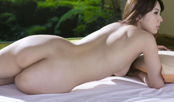 波多野結衣|浴衣姿と全裸で美乳を触るAV女優のヌード エロ画像30a.jpg