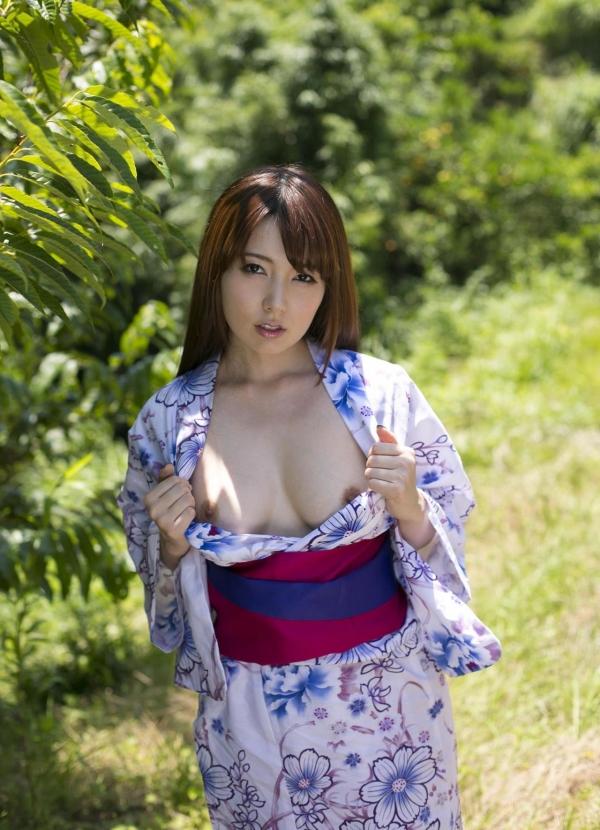 波多野結衣|浴衣を脱いで全裸になるAV女優の着エロ&ヌード画像07a.jpg