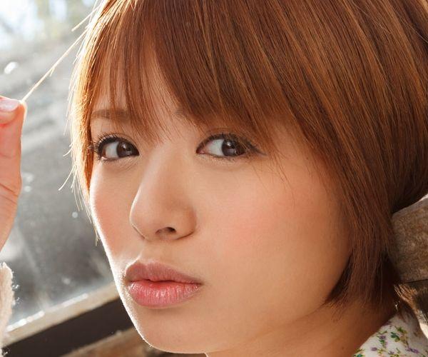 星美りか ショートヘアでFカップ巨乳のAV女優 エロ画像01.jpg