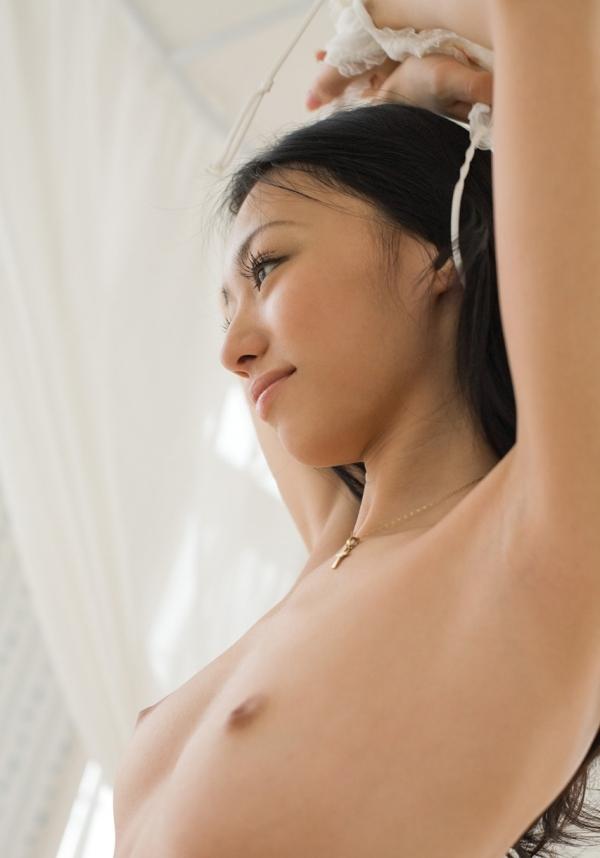 希志あいの 美乳スレンダー美女ヌード画像42枚の325dd022番