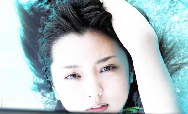 真野恵里菜 水着 画像045a.jpg