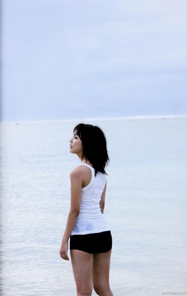 真野恵里菜 水着 画像089a.jpg