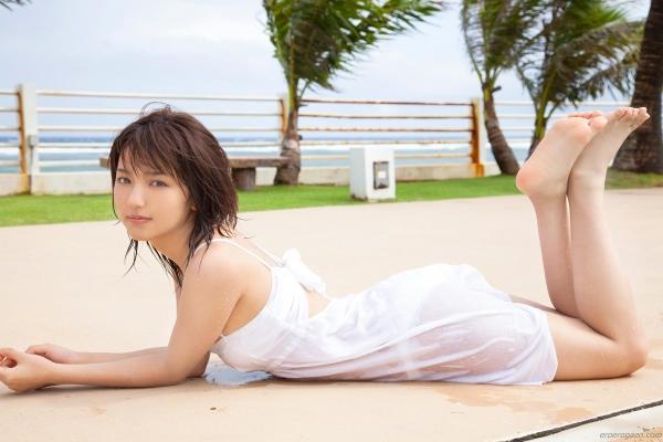 真野恵里菜 過激 水着 画像b016a.jpg