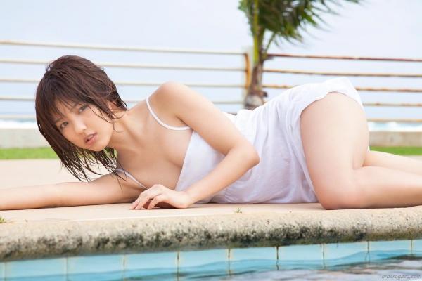 真野恵里菜 過激 水着 画像b018a.jpg
