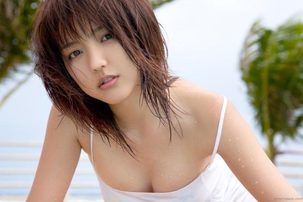 真野恵里菜 過激 水着 画像b020a.jpg