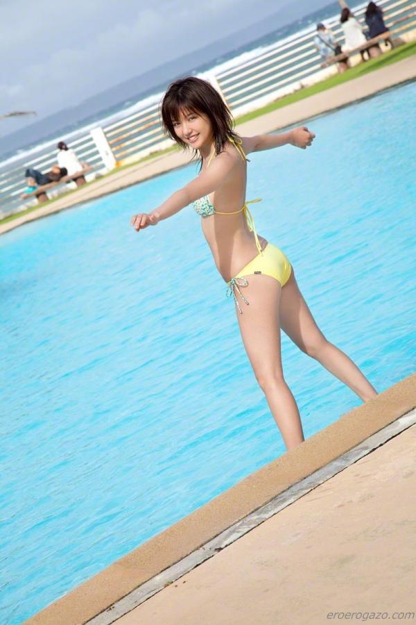 真野恵里菜 過激 水着 画像b023a.jpg