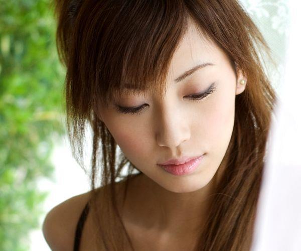 横山美雪|美乳の美人AV女優 セクシーな下着姿とヌードエロ画像01a.jpg