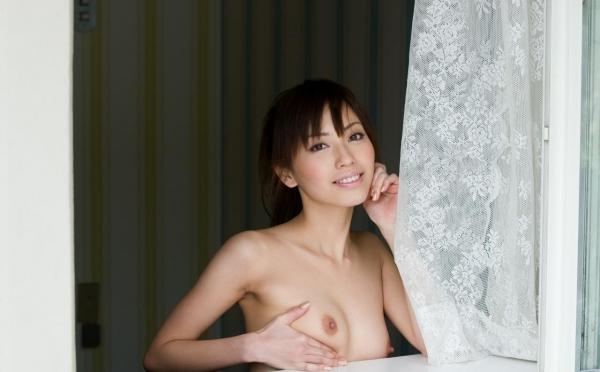 横山美雪|美乳の美人AV女優 セクシーな下着姿とヌードエロ画像41a.jpg