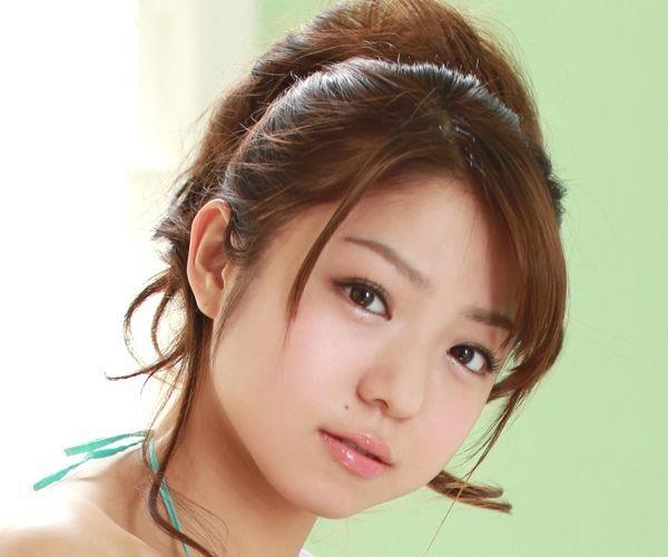 中村静香 童顔で巨乳おっぱいのグラビアアイドル ビキニ水着エロ画像aa001.jpg