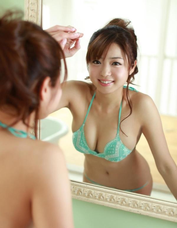 中村静香 童顔で巨乳おっぱいのグラビアアイドル ビキニ水着エロ画像aa013.jpg