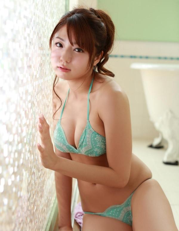 中村静香 童顔で巨乳おっぱいのグラビアアイドル ビキニ水着エロ画像aa021.jpg