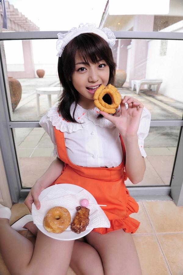中村静香|グラビアアイドルのコスプレやビキニの巨乳が眩しい水着画像42.jpg