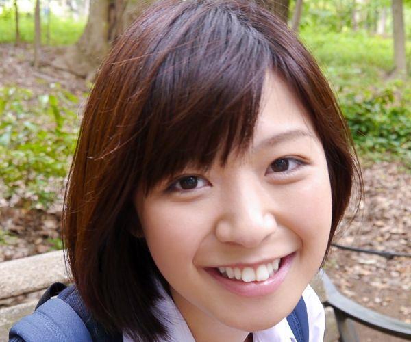 尾上若葉 JKコスプレでエッチしてる童顔で巨乳おっぱいのAV女優エロ画像a001a.jpg