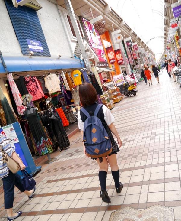 尾上若葉 JKコスプレでエッチしてる童顔で巨乳おっぱいのAV女優エロ画像a003a.jpg