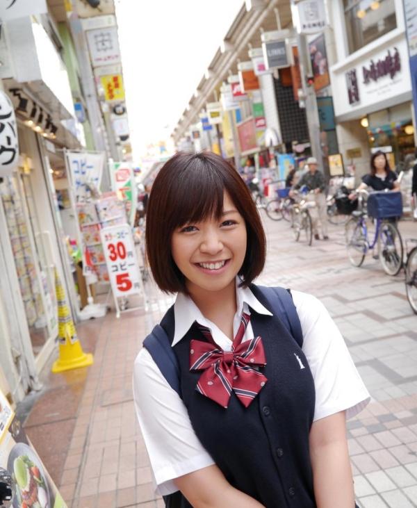 尾上若葉 JKコスプレでエッチしてる童顔で巨乳おっぱいのAV女優エロ画像a004a.jpg