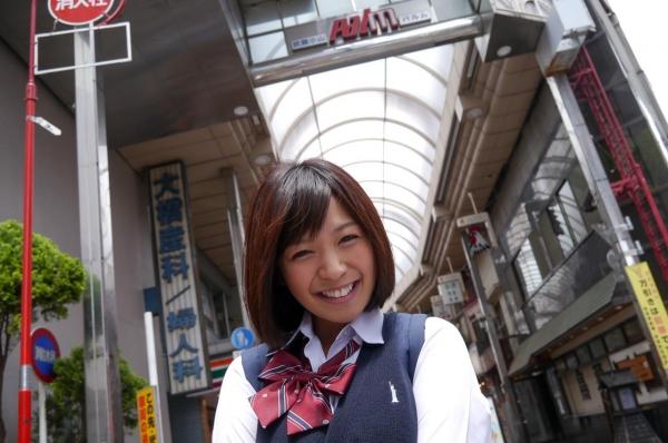 尾上若葉 JKコスプレでエッチしてる童顔で巨乳おっぱいのAV女優エロ画像a006a.jpg