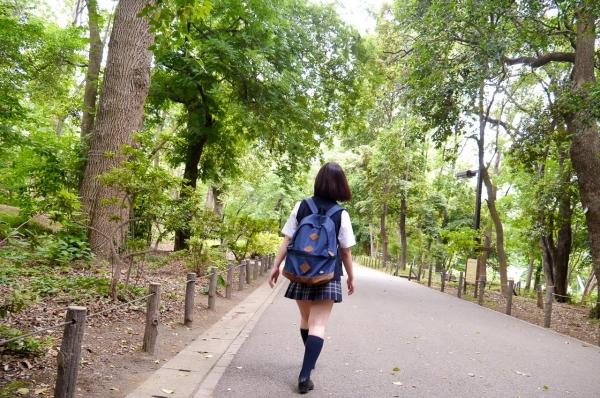 尾上若葉 JKコスプレでエッチしてる童顔で巨乳おっぱいのAV女優エロ画像a013a.jpg