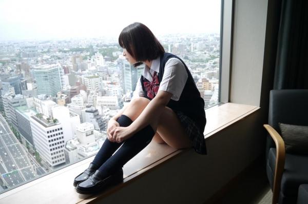 尾上若葉 JKコスプレでエッチしてる童顔で巨乳おっぱいのAV女優エロ画像a023a.jpg