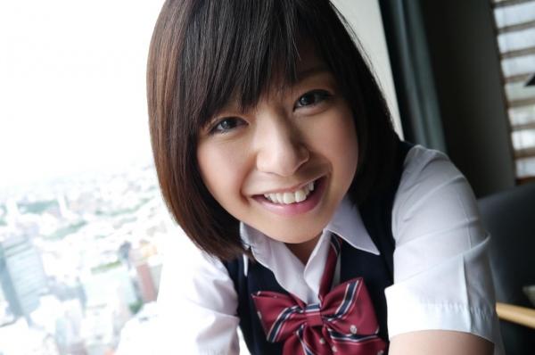 尾上若葉 JKコスプレでエッチしてる童顔で巨乳おっぱいのAV女優エロ画像a025a.jpg