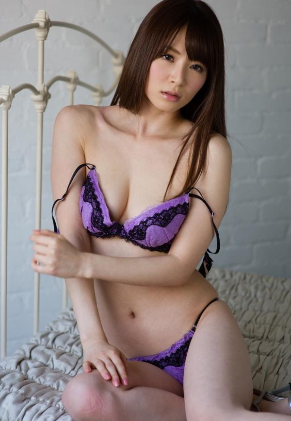 大橋未久 美脚のスレンダー美女ヌード画像40枚の19枚目