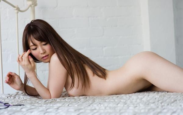 大橋未久 美脚のスレンダー美女ヌード画像40枚の23枚目