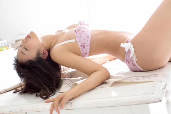 吉木りさ|セクシー下着と水着姿の官能グラビアアイドル エロ画像19a.jpg