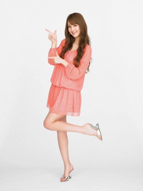 佐々木希 世界レベルの美人モデル 女優のかわいいビキニ水着 画像24.jpg