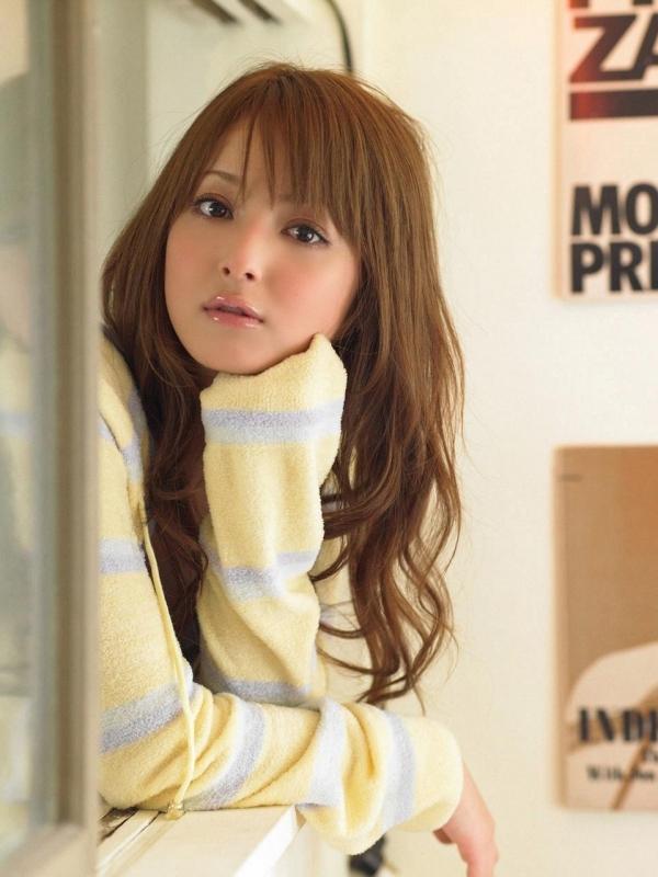 佐々木希 世界レベルの美人モデル 女優のかわいいビキニ水着 画像32.jpg