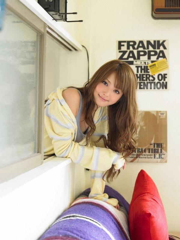 佐々木希 世界レベルの美人モデル 女優のかわいいビキニ水着 画像33.jpg
