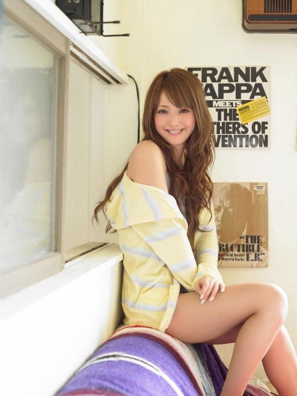 佐々木希 世界レベルの美人モデル 女優のかわいいビキニ水着 画像34.jpg