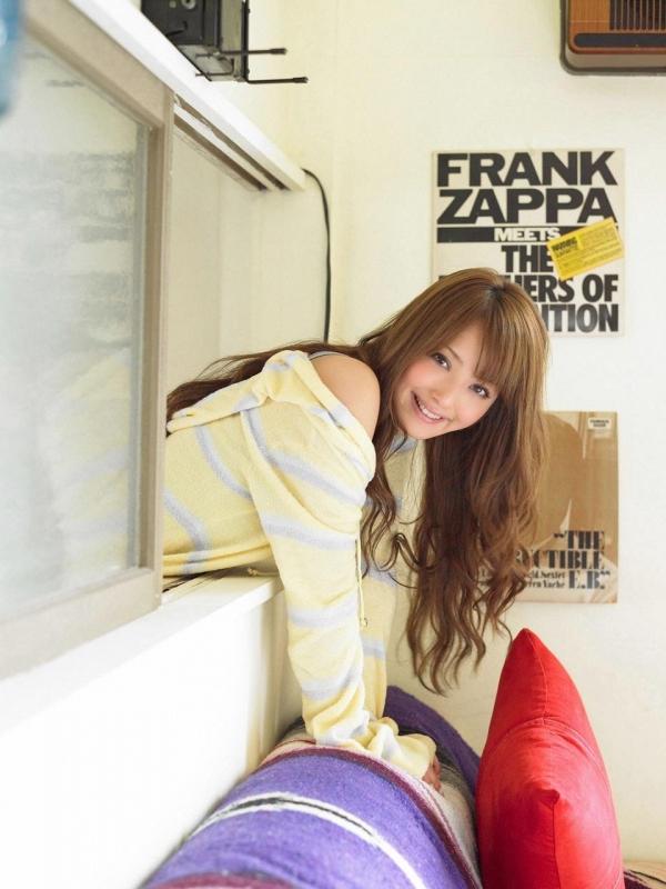 佐々木希 世界レベルの美人モデル 女優のかわいいビキニ水着 画像35.jpg