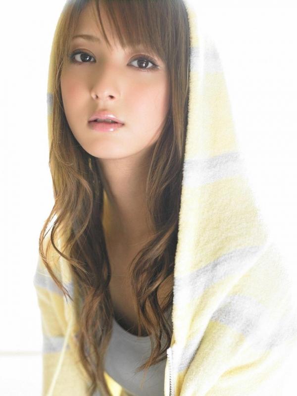 佐々木希 世界レベルの美人モデル 女優のかわいいビキニ水着 画像38.jpg