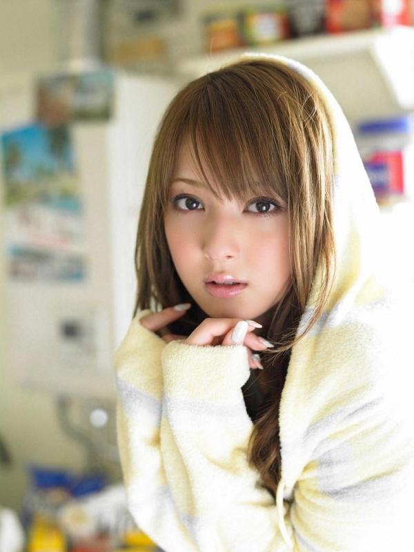 佐々木希 世界レベルの美人モデル 女優のかわいいビキニ水着 画像44.jpg